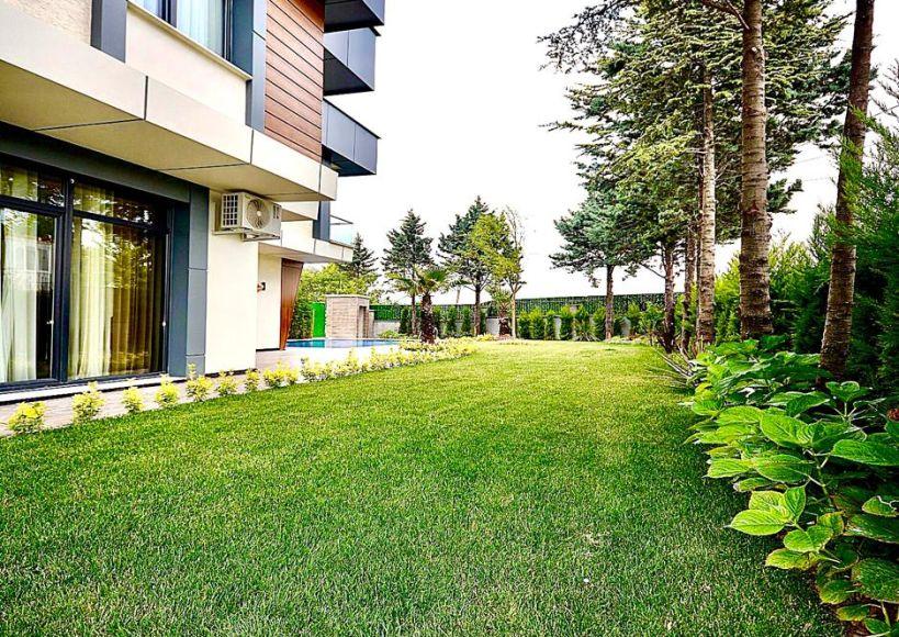 مجمع فلل 730م2  – غرف 7+2 في بيليك دوزو Beylikdüzü اسطنبول الجانب الأوربي 700 ألف دولار