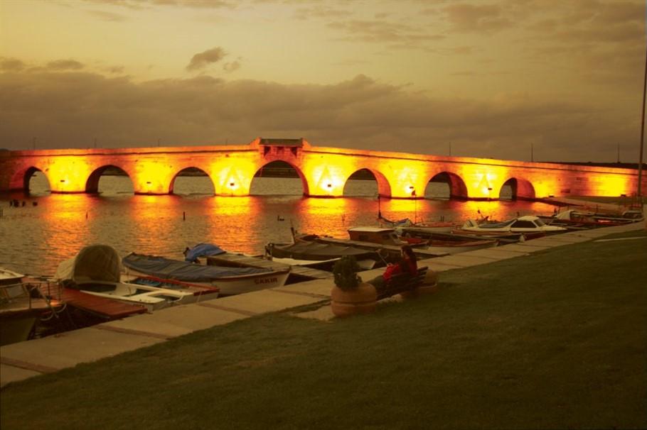 جسر بويوك تشكمجه Büyükçekmece Köprüsü