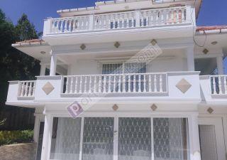 فيلا للبيع  مقيم للجنسية التركية غرف 6+3 في بيوك جكمجة ، حي جلالية