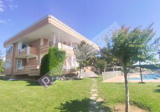فيلا للبيع  مقيم للجنسية التركية غرف 6+2 في سيليفري ، حي أورتاكوي سيليفري