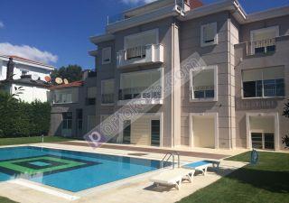 فيلا للبيع  مقيم للجنسية التركية غرف 10+2 في بيوك جكمجة