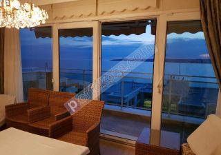 شقة للبيع  على البحر غرف 3+1 في بيوك جكمجة
