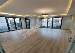 بناء كامل للبيع  مقيم للجنسية التركية في إسنيورت ، حي جمهوريات محلسي