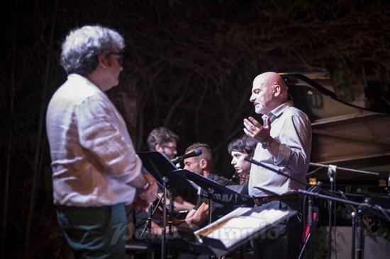 Jazz-Night-il direttore Roberto Spadoni e l'attore voce narrante Marcello Brondi