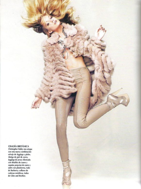 """Lindsay Ellingson photographed by Nino Muñoz in """"Aires de Cambio"""" for Vogue México, February 2010 6"""