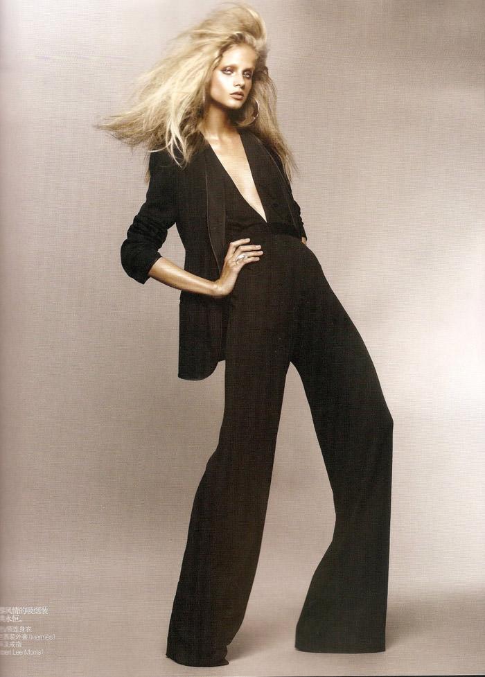"Anna Selezneva photographed by Sølve Sundsbø in ""Revolutionary Blazer"" for Vogue China, March 2010 4"