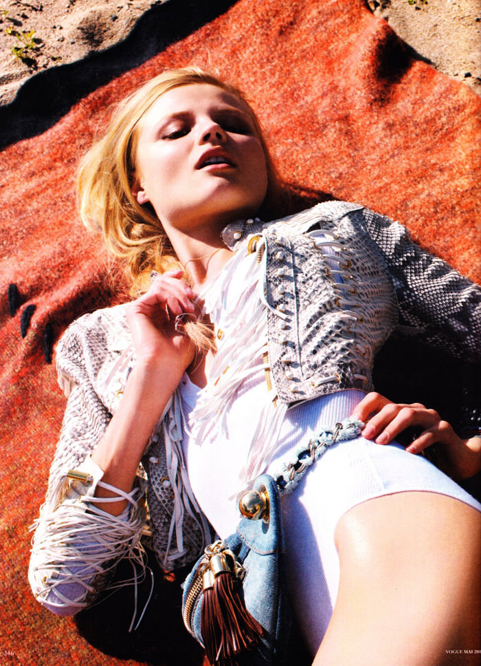 """Magdalena Frackowiak photographed by Horst Diekgerdes in """"Feel Free"""" for Vogue Germany, May 2010 8"""