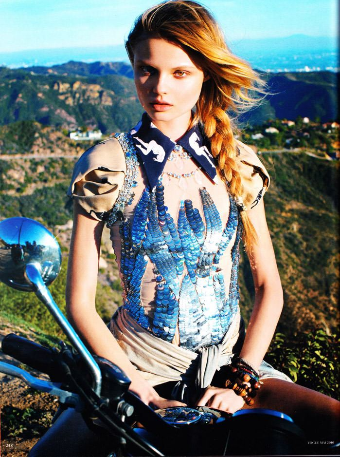 """Magdalena Frackowiak photographed by Horst Diekgerdes in """"Feel Free"""" for Vogue Germany, May 2010 11"""