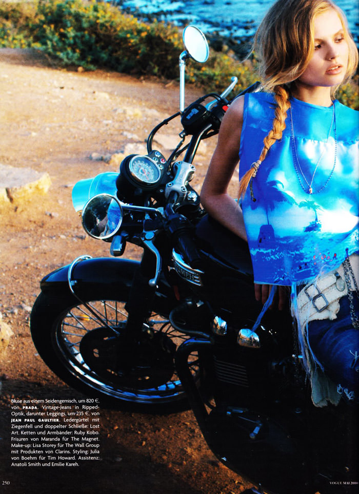 """Magdalena Frackowiak photographed by Horst Diekgerdes in """"Feel Free"""" for Vogue Germany, May 2010 9"""