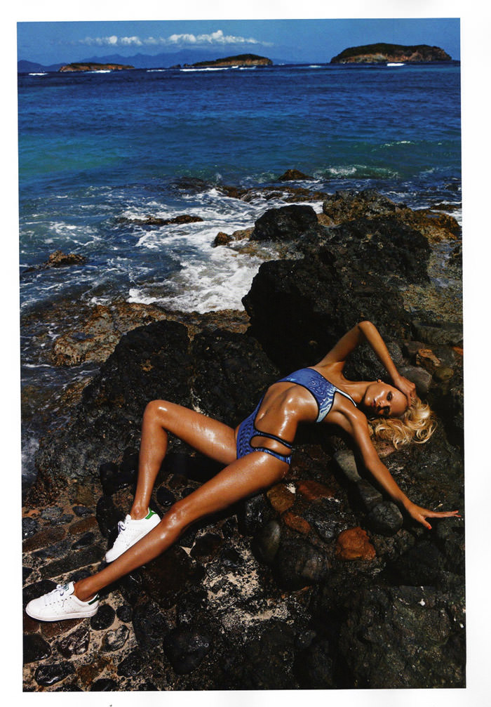 """Natasha Poly photographed by Mario Sorrenti in """"Plage Privée"""" for Vogue Paris, May 2010 7"""