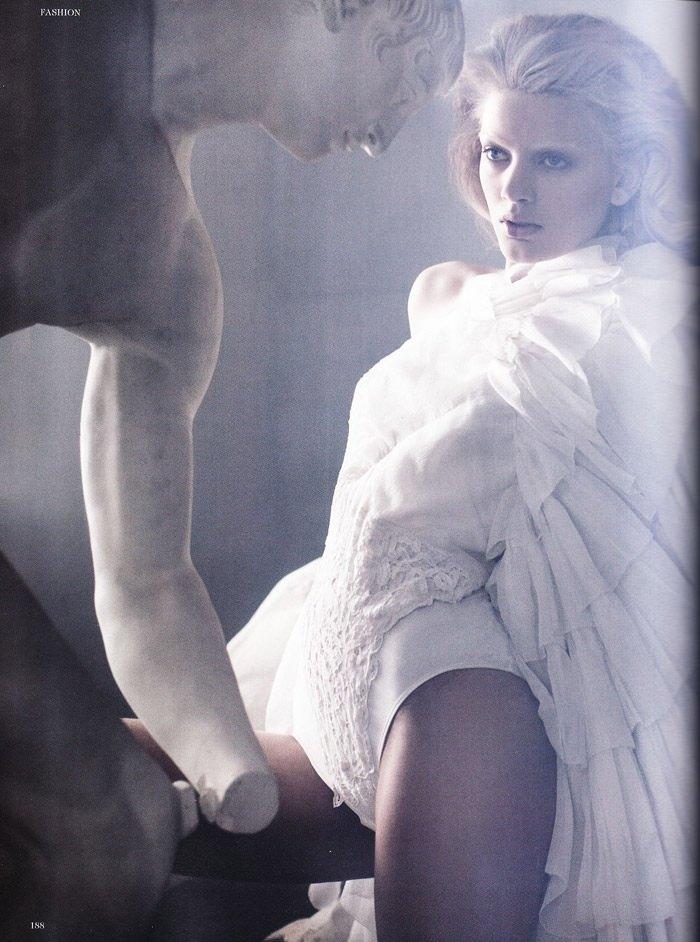 Bregje Heinen photographed by Signe Vilstrup in L'idole Éternelle for Tush #2, Spring 2010 1