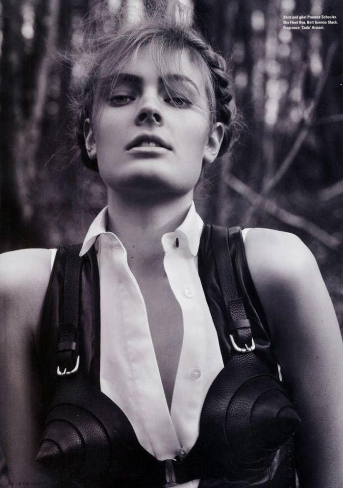 Constance Jablonski photographed by Cédric Buchet for i-D Magazine, Summer 2010 9