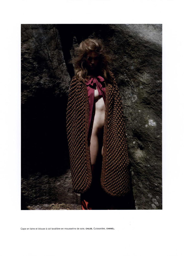 """Samantha Gradoville photographed by Viviane Sassen in """"Goutte d'eau sur pierres brûlantes"""" for Numéro #115 5"""