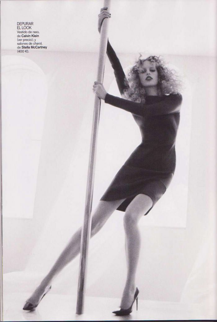 "Karolina Kurkova photographed by Dusan Reljin in ""La Dosis Mínima"" for Vogue España, September 2010 11"