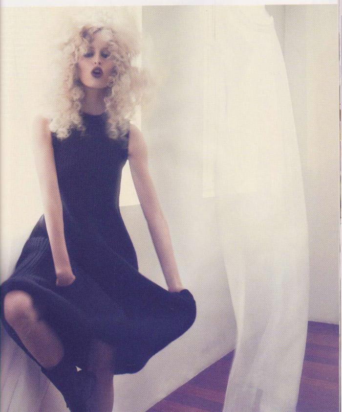 "Karolina Kurkova photographed by Dusan Reljin in ""La Dosis Mínima"" for Vogue España, September 2010 4"