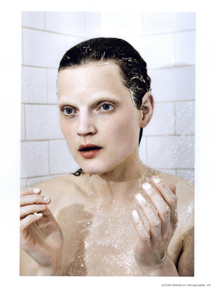 "Guinevere Van Seenus photographed by Mario Sorrenti in ""The Beauty Sitting"" for 10 Magazine, Autumn & Winter 2010 12"