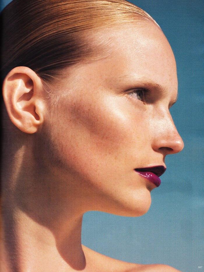 """Katrin Thormann photographed by Blaise Reutersward in """"Salz auf unserer Haut"""" for Vogue Deutschland, November 2010 4"""