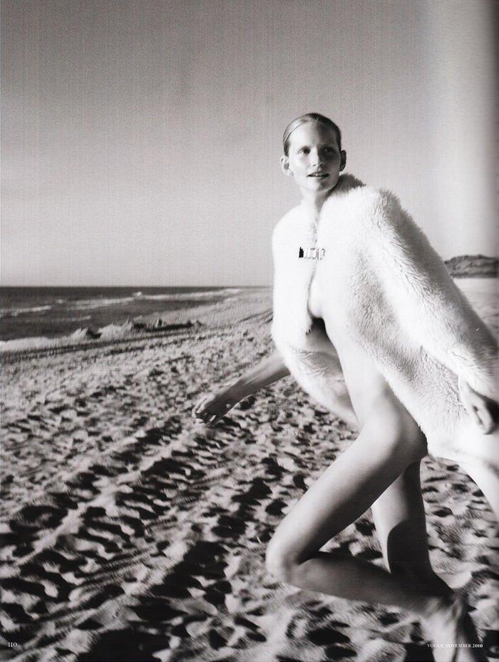 """Katrin Thormann photographed by Blaise Reutersward in """"Salz auf unserer Haut"""" for Vogue Deutschland, November 2010 7"""
