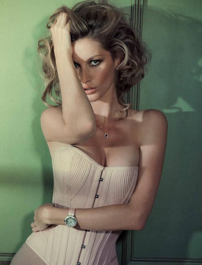 Gisele Bündchen photographed by Jacques Dequeker for Vogue Brazil, October 2010 8