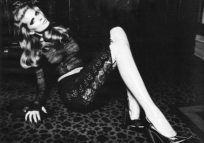 """Julia Stegner photographed by Claudia Knoepfel & Stefan Indlekofer in """"Freistil"""" for Vogue Deutschland, December 2010 13"""