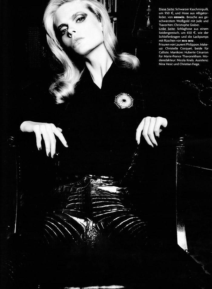 """Julia Stegner photographed by Claudia Knoepfel & Stefan Indlekofer in """"Freistil"""" for Vogue Deutschland, December 2010 16"""
