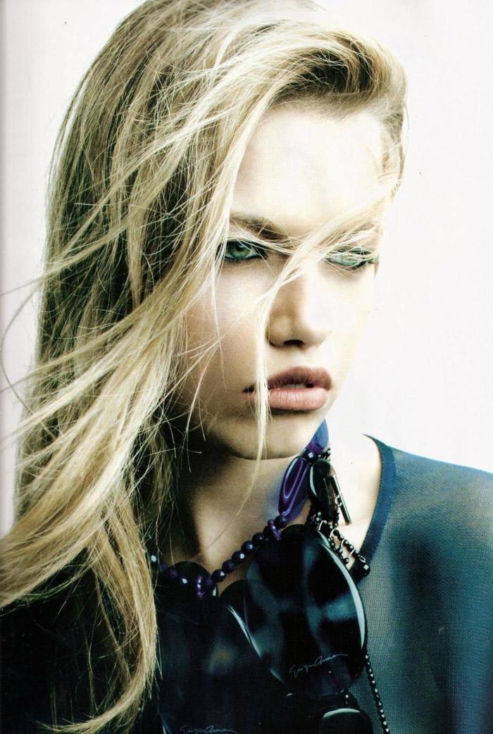 """Hailey Clauson photographed by Victor Demarchelier in """"El Gran Azul"""" for Vogue España, March 2011 9"""