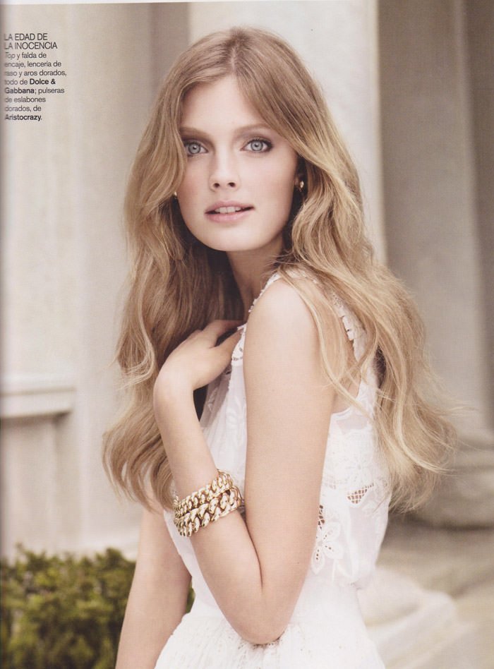 "Constance Jablonski photographed by Alex Cayley in ""Ángel Blanco"" & ""Revolución Francesa"" for Vogue España, February 2011 14"