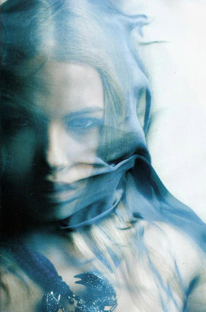 """Hailey Clauson photographed by Victor Demarchelier in """"El Gran Azul"""" for Vogue España, March 2011 3"""