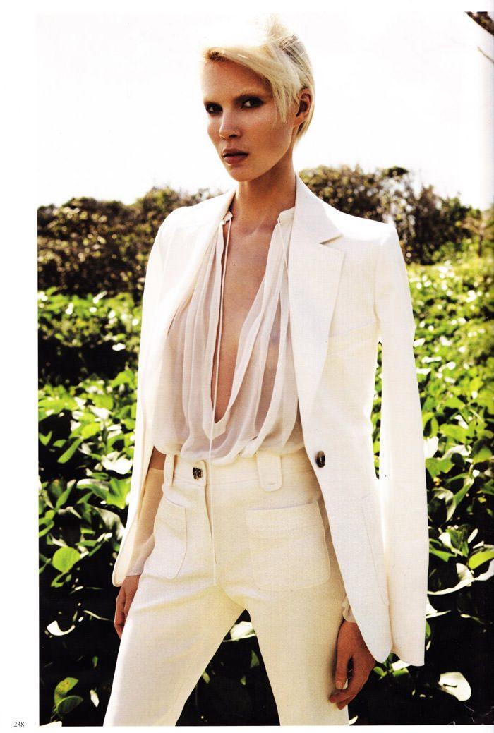 "Britt Maren photographed by Knoepfel & Indlekofer in ""Carte Blanche"" for Vogue Deutschland, April 2011 8"