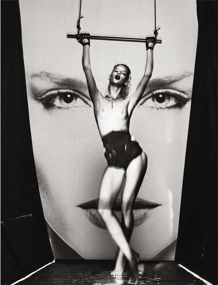 "Linda Vojtova photographed by Taka Mayumi in ""Art Fame"" for French Revue de Modes, Spring 2011 3"