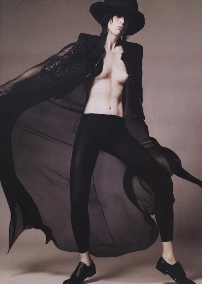 "Raquel Zimmermann photographed by David Sims in ""Soleil Noir"" for Vogue Paris, June 2011 11"