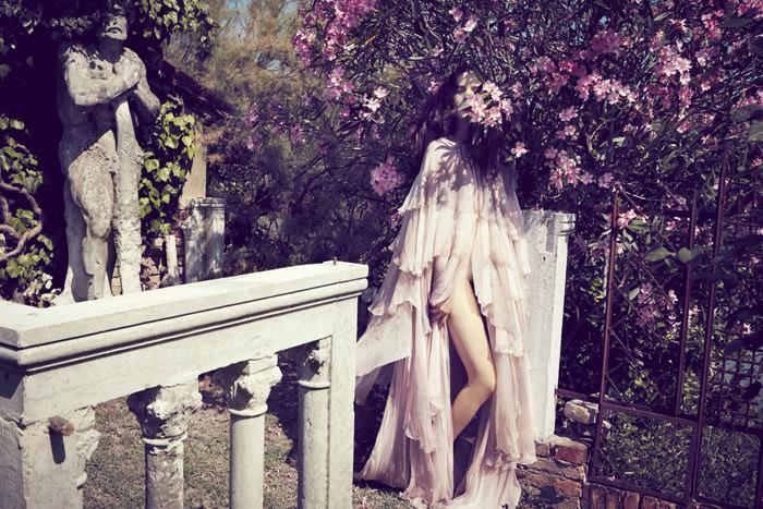 Anna de Rijk by Sofia Sanchez & Mauro Mongiello for Tar Magazine