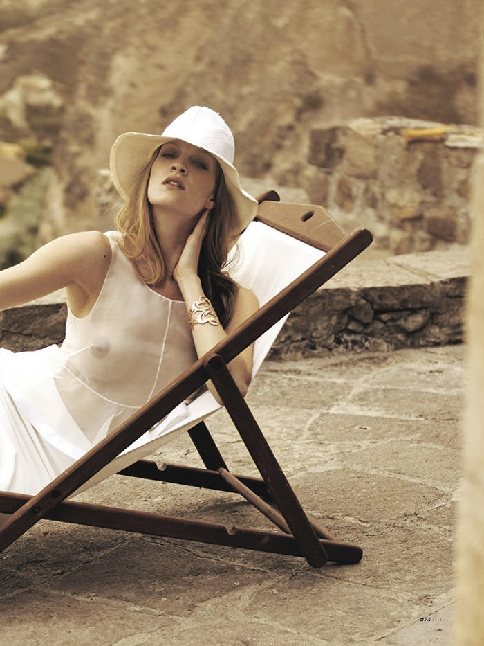 Hannah Koe by Baris Aktinmaz for Elle Turkey