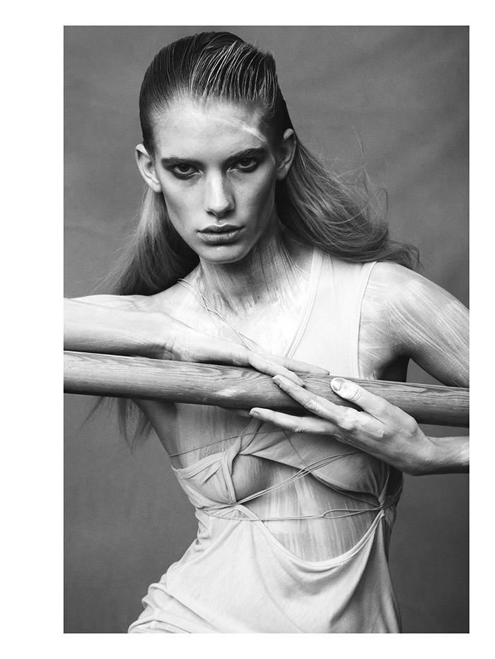 Ilse De Boer photographed by Benjamin Vnuk for Pulp Magazine