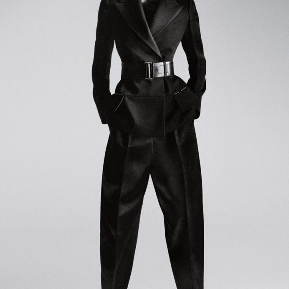 Bella Hadid for Calvin Klein 1