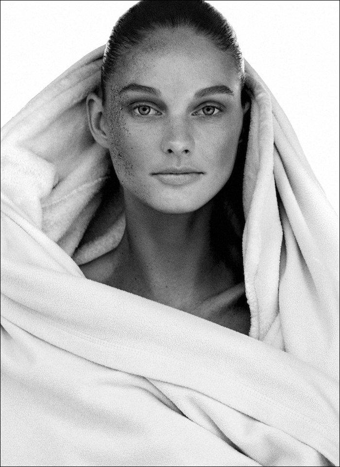 Patricia Van Der Vliet photographed by Alvaro Beamud Cortes for Harper's Bazaar Germany, May 2015