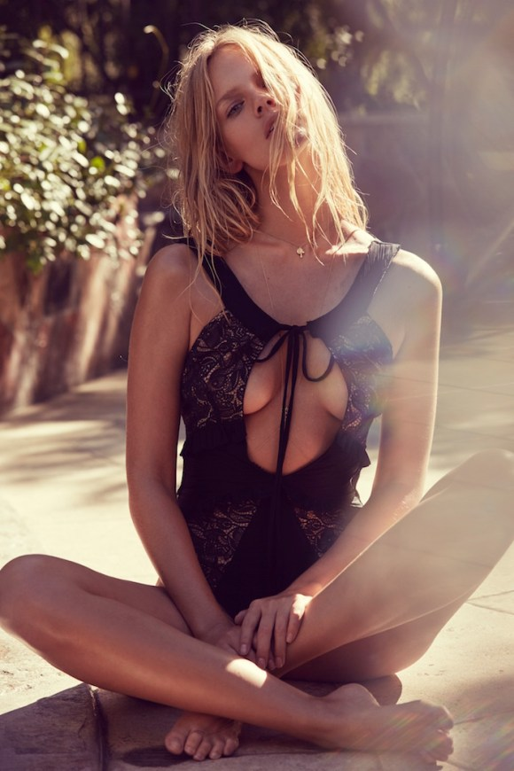 Marloes Horst for Summertide by For Love And Lemons