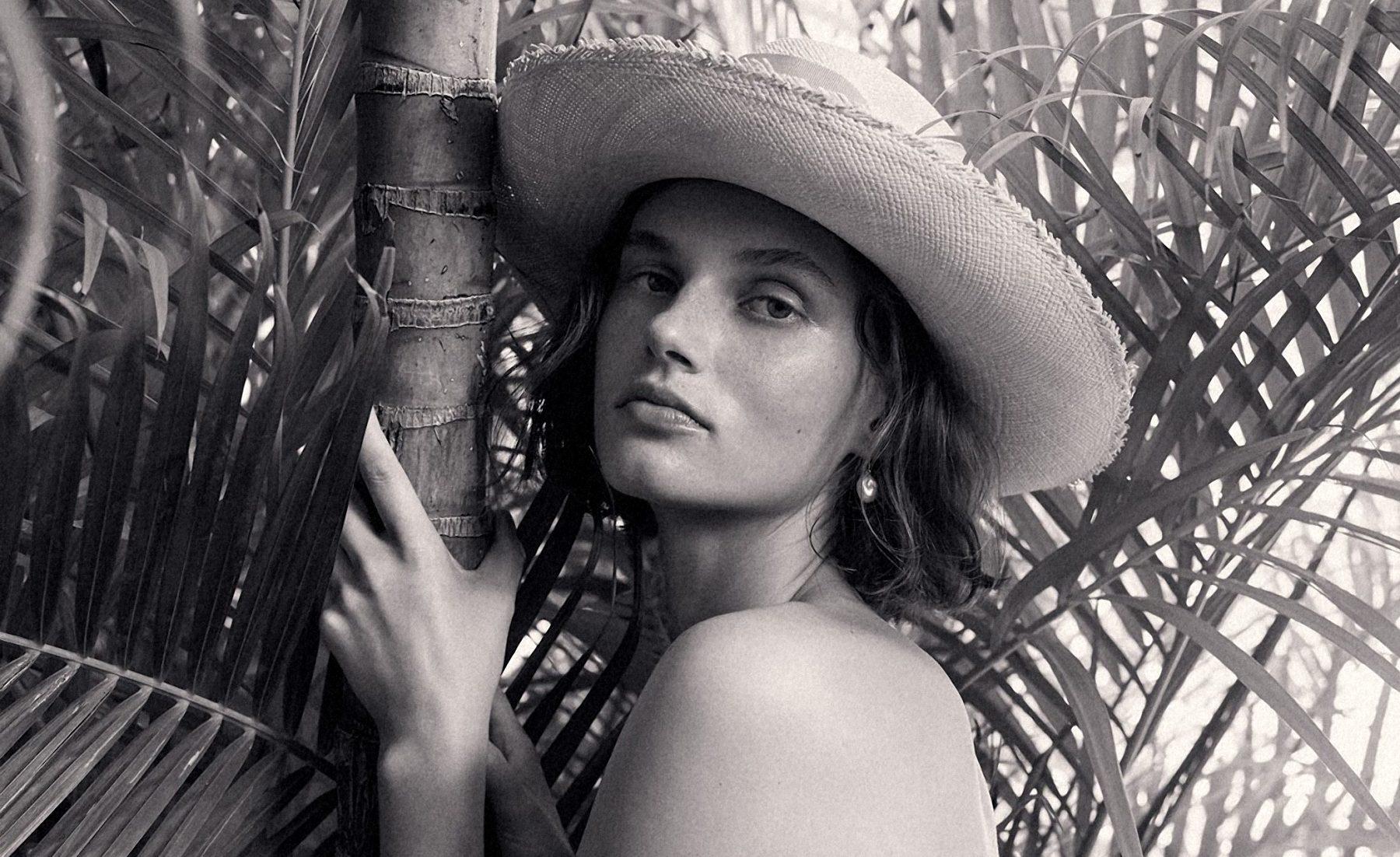 Alexandra Vittek Nude Photos 72