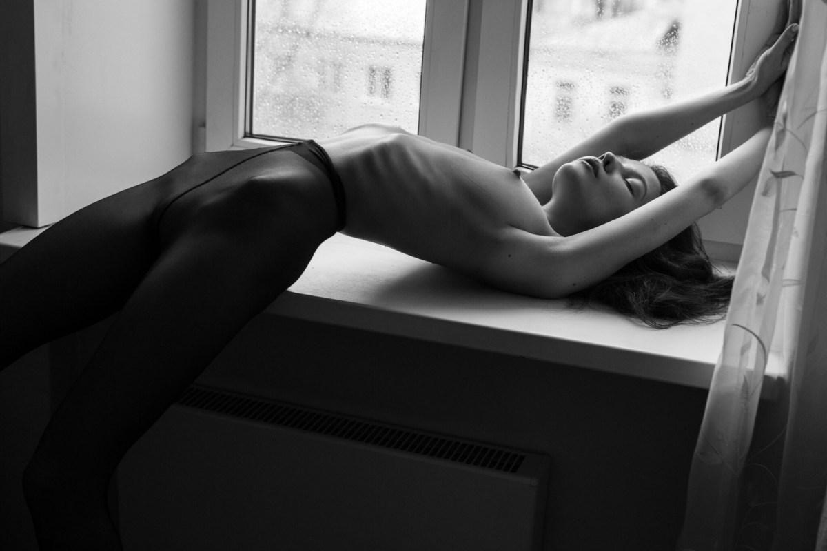 Victoria Noir by Yura Ionov