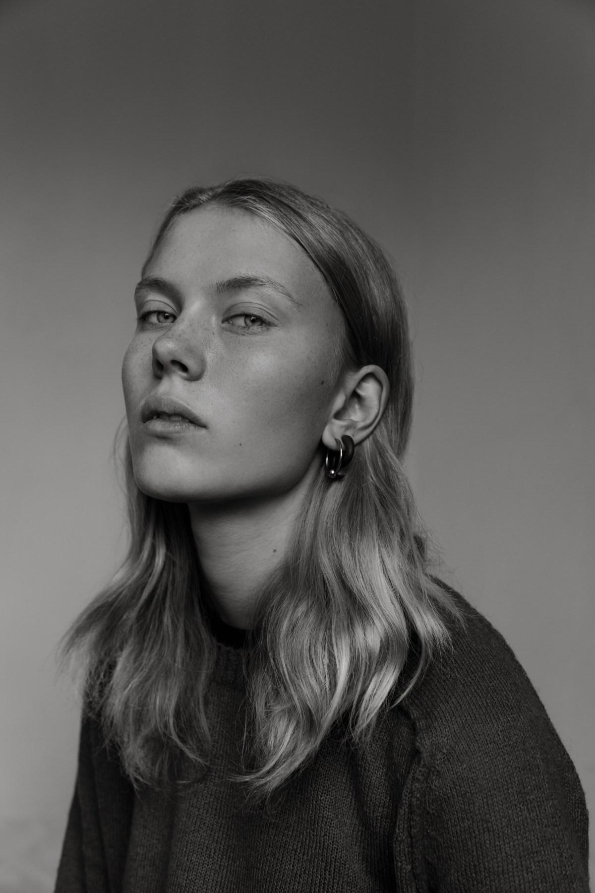 Nina Hnizdo by Stephane Boubert