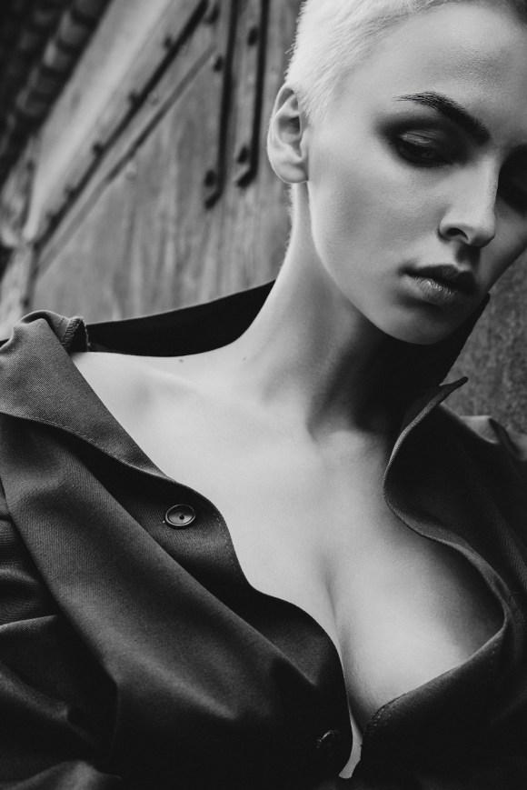 Ekaterina Novikova by Dmitry Chapala
