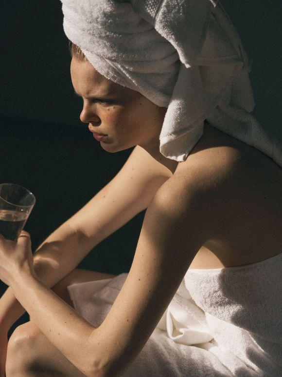 Hannah Kuiper by David Cohen de Lara for Portraits Of Girls Nº2