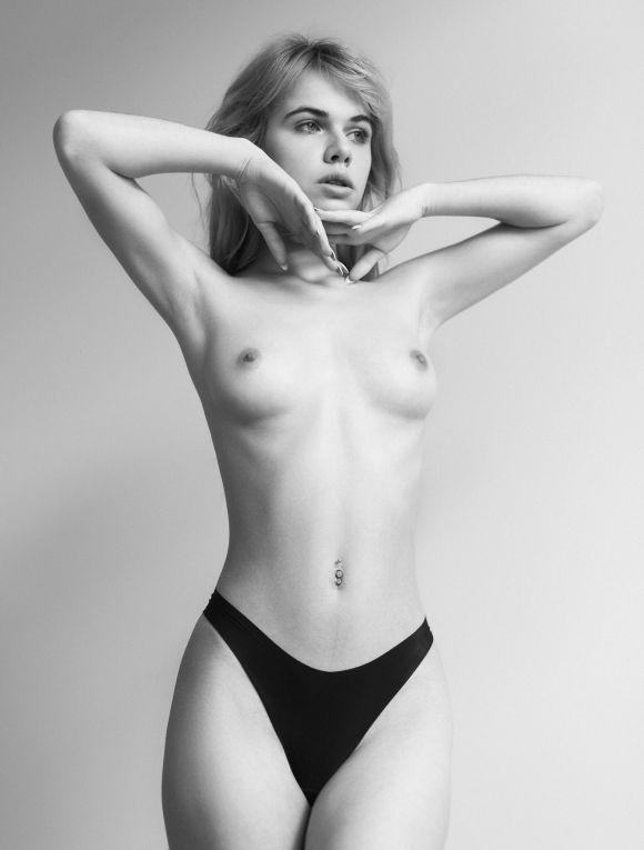 Alexandra Smelova by Nikita Morozov
