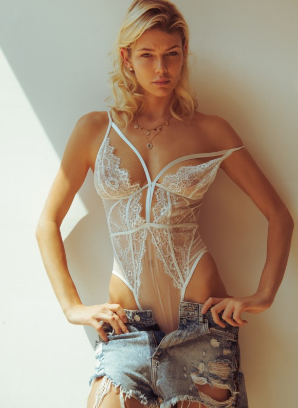 Anastasia Belotskaya by Omar Coria for Maxim Mexico