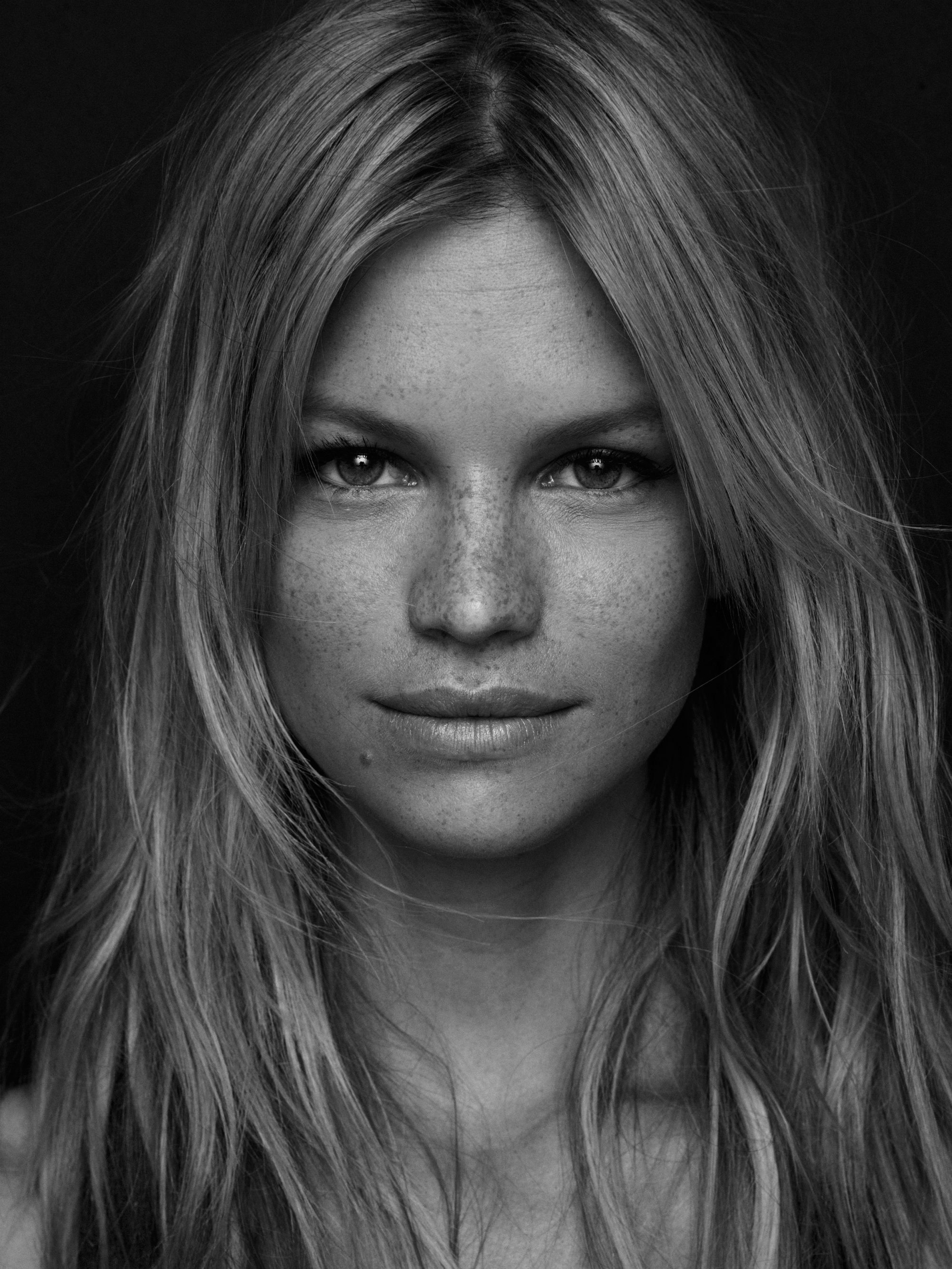 Nadine Leopold by Marian Sell