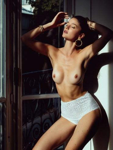 Chloe Bechini by Henri Buffetaut
