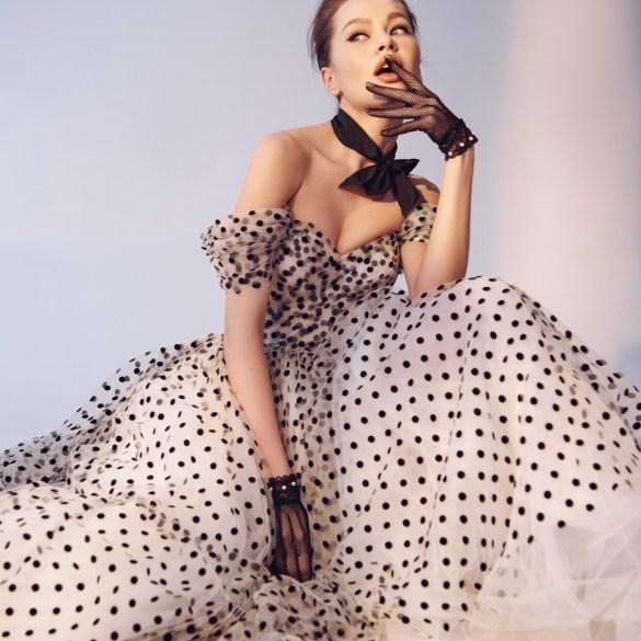 Lina Gasanova by Yulia Ezepova