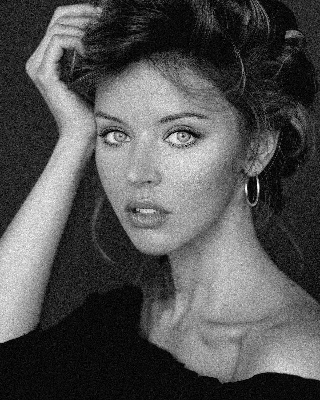 Mary Lavrova by Elena Volotova