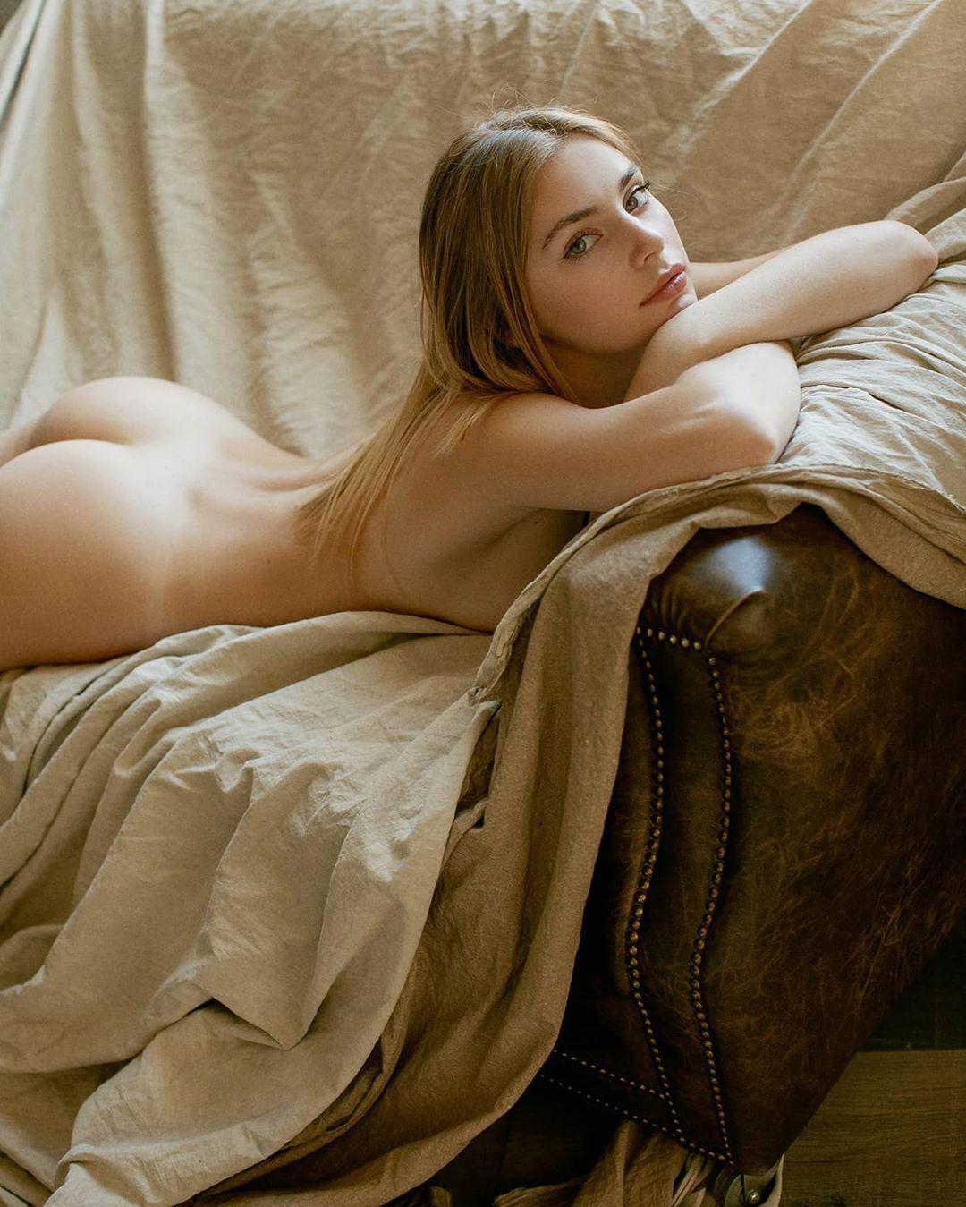 Irina Sivalnaya by Max Zadorozhny 4