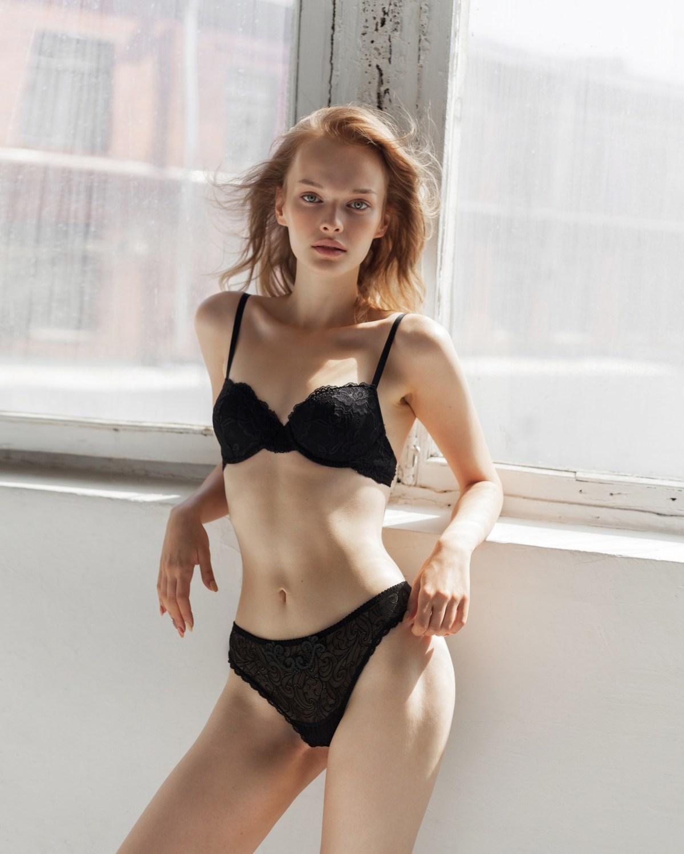 Valeriya Kononenko by Anastasia Olenich